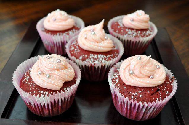 Red Velvet Cupcakes & Rose Icing